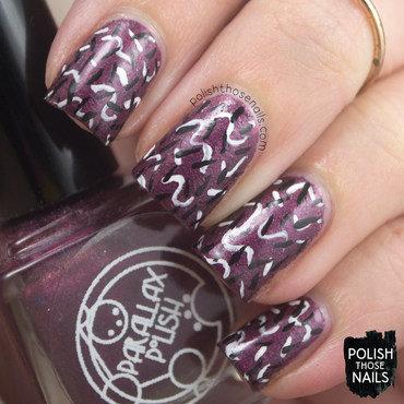 Parallax polish alpha red metallic squiggles 80s nail art 3 thumb370f