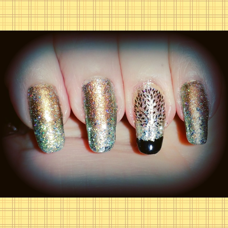 August gold  nail art by Maureen Spaulding