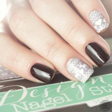 Winterfraeulein Nail Wraps nail art by Sabrina