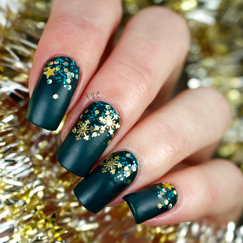 Stars and snowflakes nail art by Yue