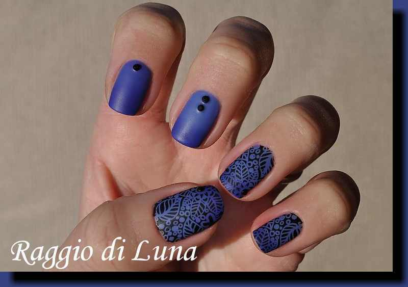 Stamping: Black floral pattern on blue thermal nail art by Tanja