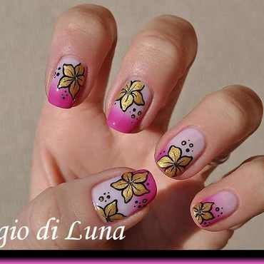 Golden flowers on pink thermal nail art by Tanja
