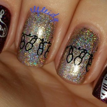 #26GreatNailArtIdeas nail art by Jenette Maitland-Tomblin