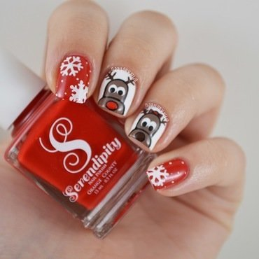 Cute reindeers nail art by Julia