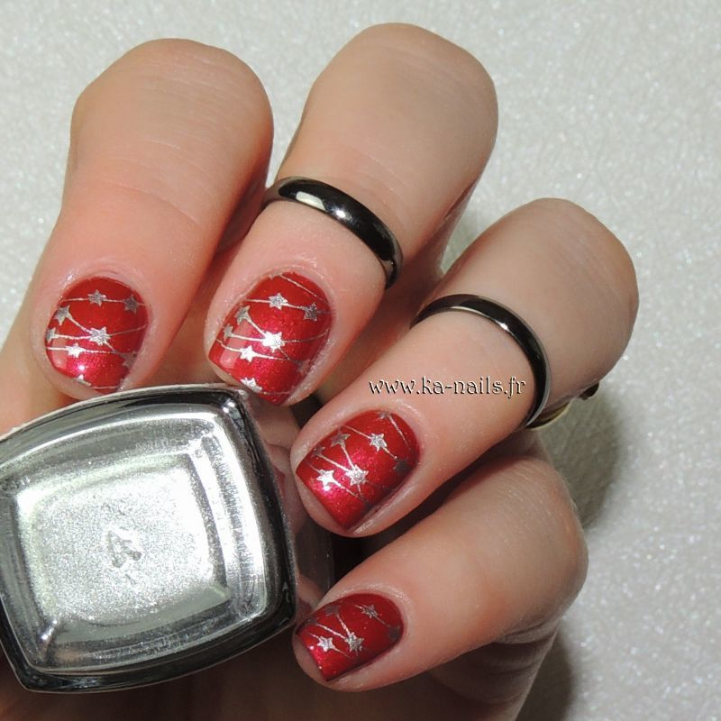 Etoiles Suspendues nail art by Ka'Nails