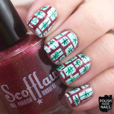 Red glitter green present christmas pattern nail art 4 thumb370f