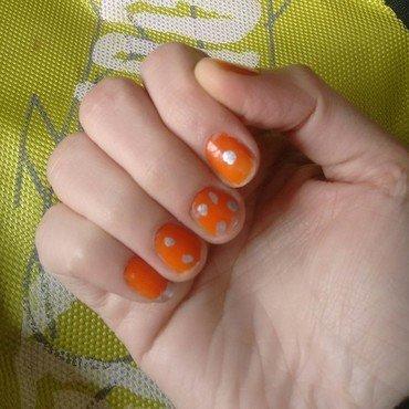 Polkas nail art by aishu93