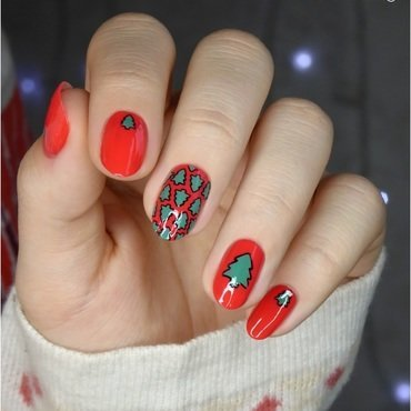 Christmas Tree Mani nail art by barbrafeszyn
