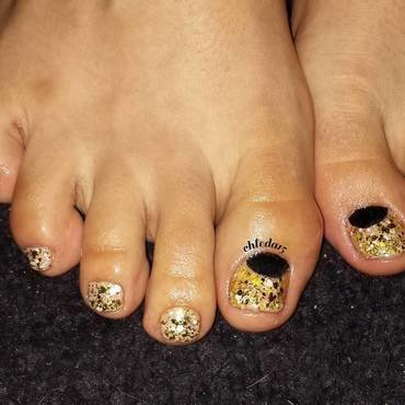 Golden Touch nail art by chleda15