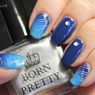 Deep Ocean Grid nail art by Kay's Polish