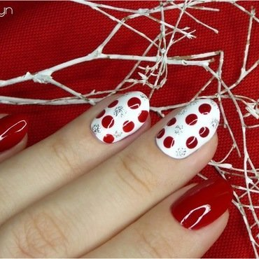 Red & White nail art by barbrafeszyn