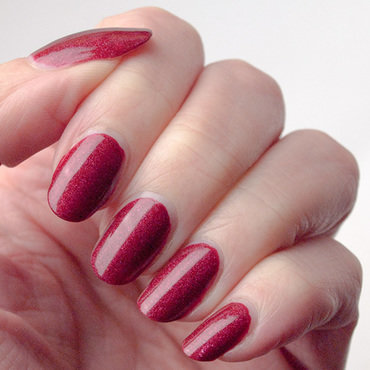 Il était un vernis Pinot Noir Swatch by What's on my nails today?
