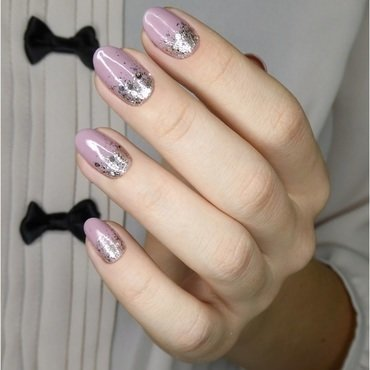 Glamour pink with glitter nail art by barbrafeszyn