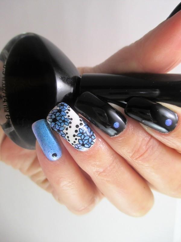 Flash nail art by NinaB