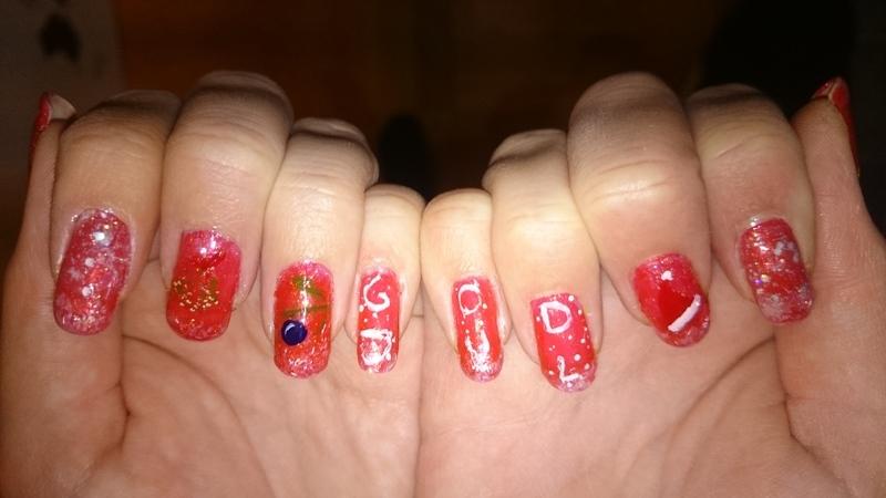 Christmas nailart  nail art by Sabina Salomonsson