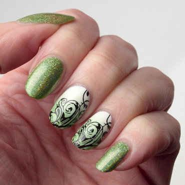 Sparkly Greenery for New Year nail art by What's on my nails today?