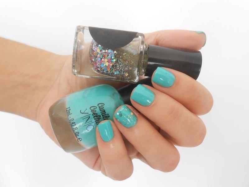 glitter nail art by Ilana Coelho