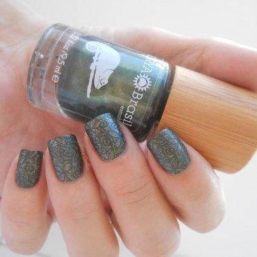 stamping nail art by Ilana Coelho