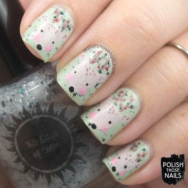 Pastel green glitter reindeer nail art 4 thumb370f