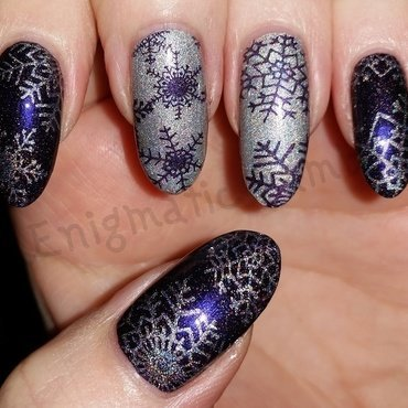Holographic Snowflakes nail art by Enigmatic Rambles