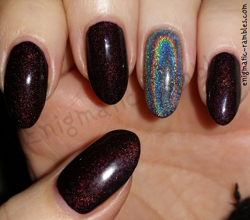 Holographic Accent nail art by Enigmatic Rambles