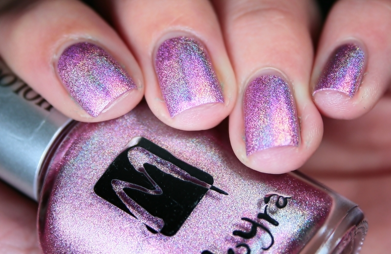 Moyra Holographic 256 Swatch by Romana