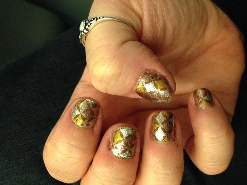 Classy metallic nail art by Rezingona