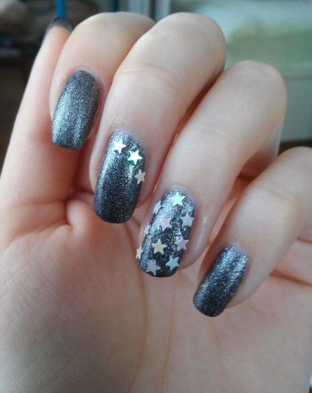 falling stars nail art by irenek