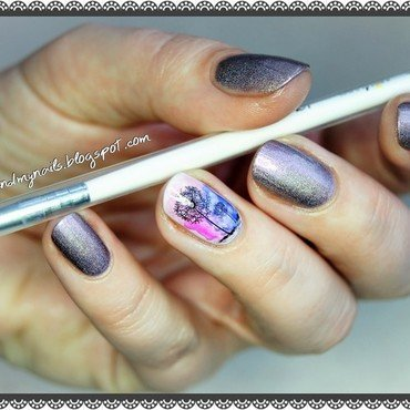 Blurred dandelions nail art by ELIZA OK-W