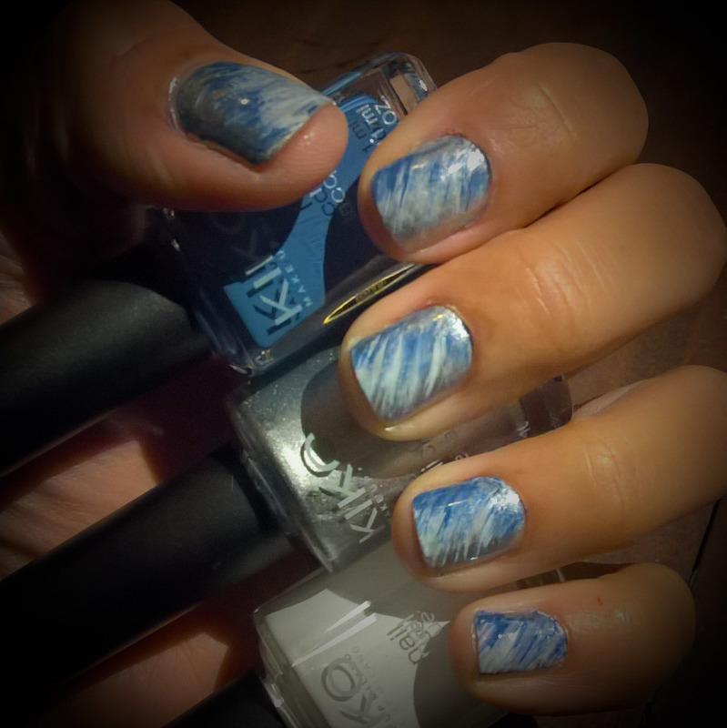 White, Silver & Blurple #fanbrushfriday  nail art by Avesur Europa