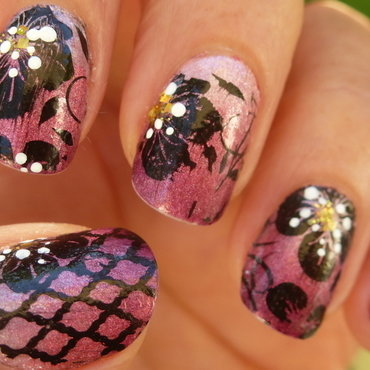Pinky gradient nail art by Barbouilleuse