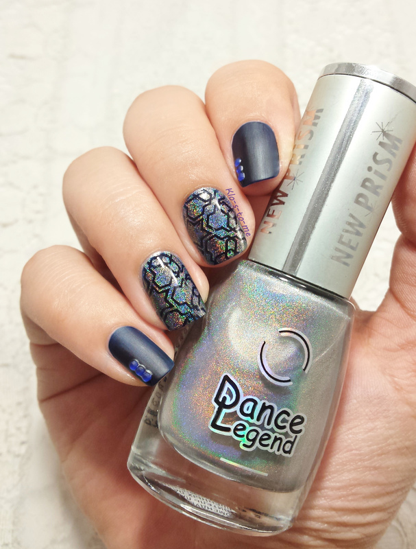 Digital Stars nail art by klo-s-to-me