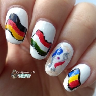 g nail art by Isabella