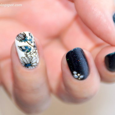 My Heart Is Broken nail art by 74ines