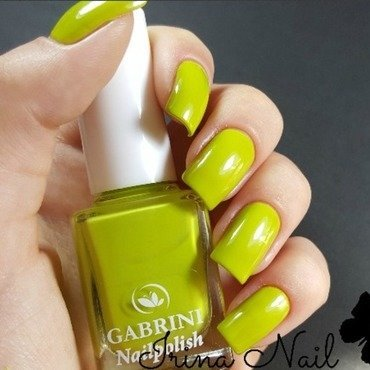 Simple green nails by Irina Nail