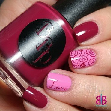 Roses nail art by Bellini Solis