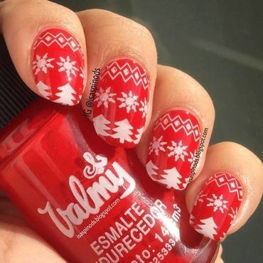 Stamping Snowflakes - Copos de Nieves ♥ nail art by Isabel