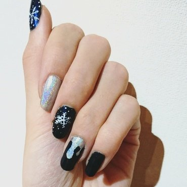 Snowfall nail art by i-am-nail-art
