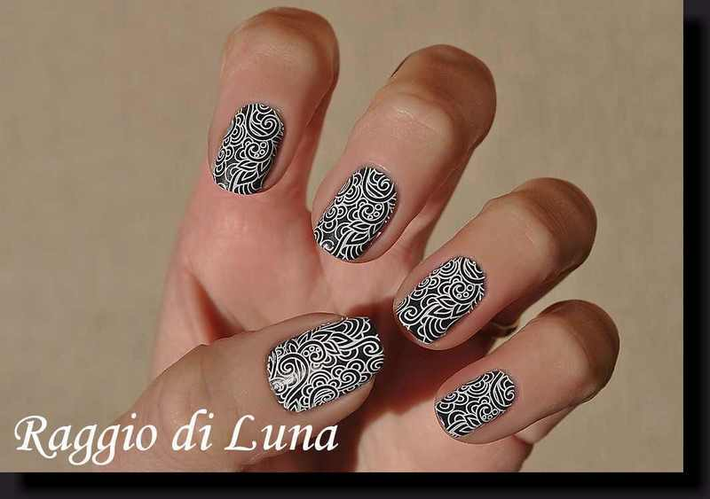Stamping: White floral pattern on grey blue nail art by Tanja