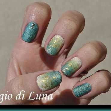 Stamping: Golden floral pattern on green & white gradient nail art by Tanja