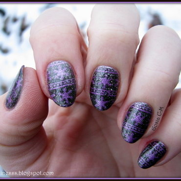 Dark sweater nail art by Nail Crazinesss