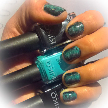 Black, Baby Blue and Charcoal #fanbrushfriday nail art by Avesur Europa