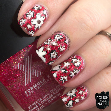 Red glitter sparkle 1970s floral pattern nail art 4 thumb370f