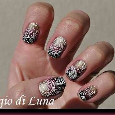 Stamping: White flowers on golden & red & black gradient nail art by Tanja