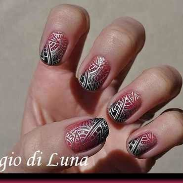 Stamping: Silver tribal pattern on cyclamen & black gradient nail art by Tanja