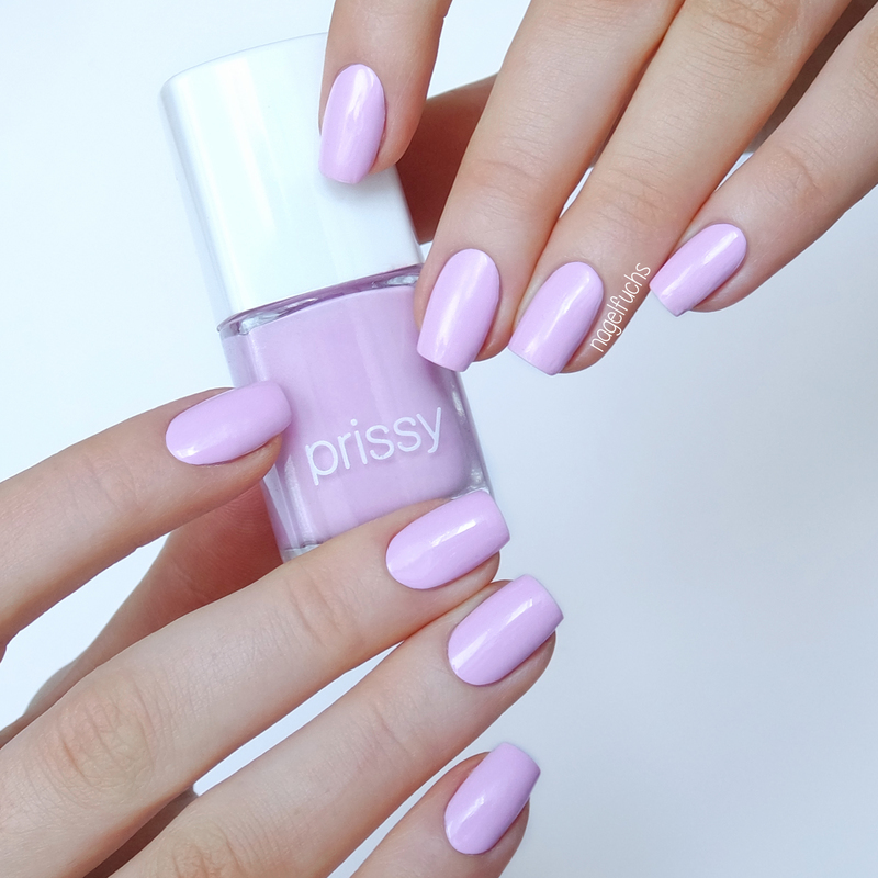 Prissy Faithful Swatch by nagelfuchs