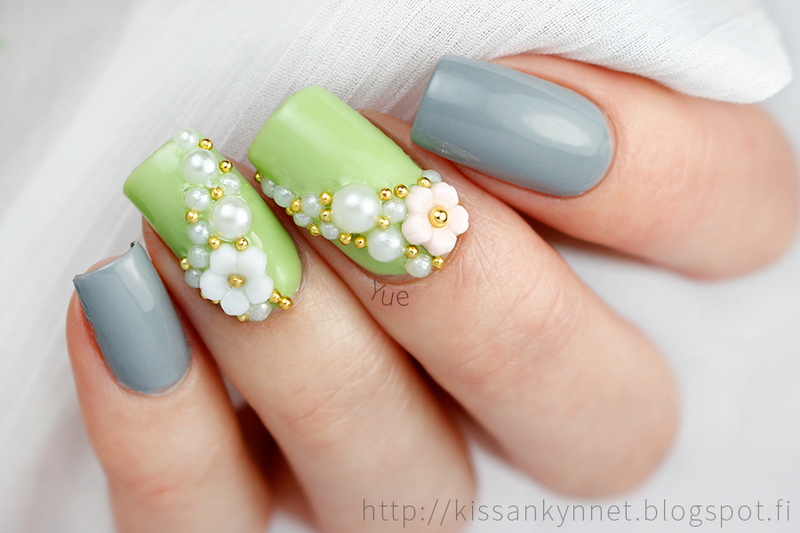 Cherry Blossoms in Spring nail art by Yue