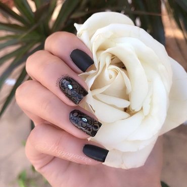 Black Lace  nail art by Happy_aries