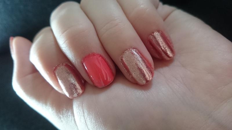 Pink mirror  nail art by Sabina Salomonsson