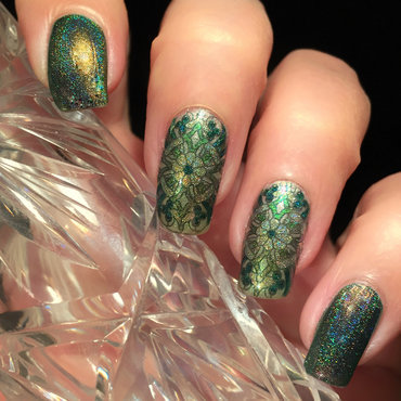 Green Tone on Tone nail art by Vernimage